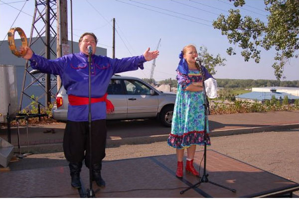 Alexander Menshikov, Valentina Kvasova Barynya, Erie, Pennsylvania, Troika Festival, Church of the Nativity